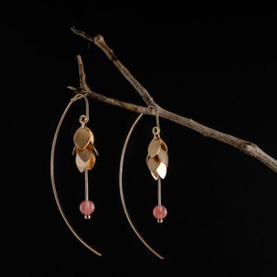 Blütenohrringe aus vielen Plättchen mattiert aus Sterlingsilber rose vergoldet mit Rhodochrosit Perlen
