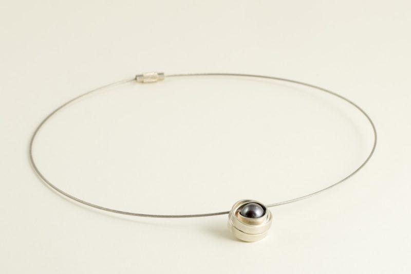 Ausgefallener Perlen-Anhänger Sterlingsilber mit schwarz-lila Perle