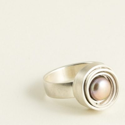 Ausgefallener Perlenring Sterlingsilber mit rose Perle