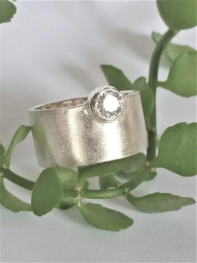 Breiter Solitär Ring Sterlingsilber mit Zirkonia