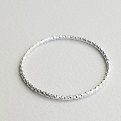 Facettierter Ring sehr zart Sterlingsilber